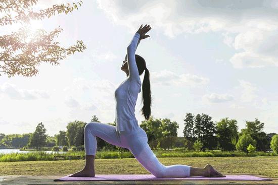 چند تمرین یوگا برای کاهش وزن و لاغری شکم و پهلو
