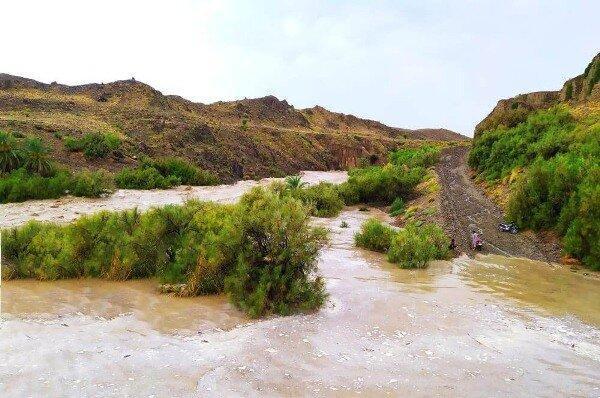 بارندگی های شدید به جاده سراوان- خاش خسارت وارد کرد
